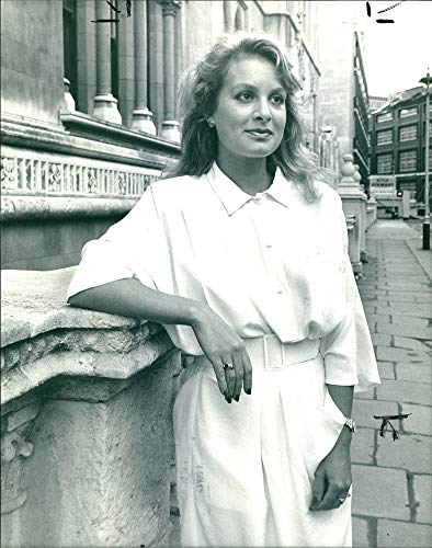 Aston Court (Vintage Photo of Singer Jay Aston at High Court for Bucks Fizz legal Battle)