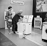 Appliances Beste Deals - POSTER A3 Nederland Tentoonstelling voor huishoudelijke apparaten / An exhibition of household appliances Nationaal Archief