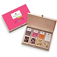 """WELLNUSS Geschenk für Frauen: 4 Premium Nuss- und Schokoladen-Snacks in der Geschenkbox aus Birkenholz mit der Schmuckverpackung""""Ladiesnight"""" (4 Snacks in der Birkenholzbox)"""