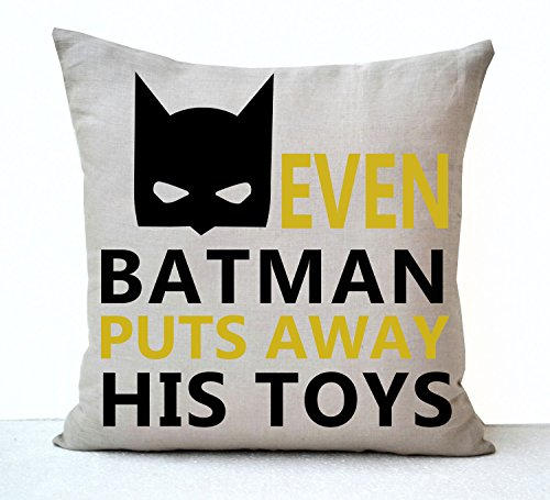 Amore Beaute Handmade even Batman mette away His Toys decorativo Cuscino per bambini e ragazzi Room Decor Birthday Christmas Gifts regole della casa, Lino, White, 45x45 cm