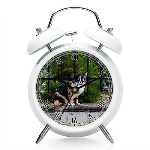 Nachttisch-Wecker mit Hintergrundbeleuchtung, batteriebetriebene Reise-Uhr, runde Zwillings-Glocke lauter Wecker (einzelnes Muster) 188. Tier streunende nette überraschte Miezekatze-Katze neugierig