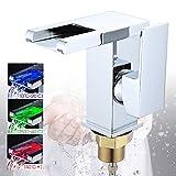 FROADP Modern Küchenarmatur mit LED 3 Farbewechsel - Wasserfall Wasserhahn Sprühkopf Messing Chrom - Familie, Kitchen, bathroom