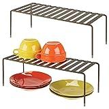mDesign 2er-Set Geschirrablage für die Küche - freistehendes Tellerregal aus Metall - extragroßes Küchenregal für Tassen, Teller, Lebensmittel usw. - bronzefarben