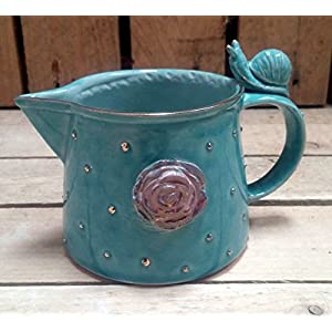 Keramik Krug,Rose, Schnecke mit Golddetails