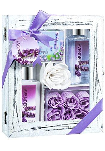 Preisvergleich Produktbild Lavender Spa Bath Gift Set in Natural Wood Curio by Freida & Joe