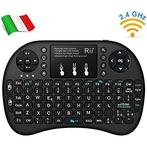 Rii Mini i8+ Wireless (layout ITALIANO) - Mini tastiera retroilluminata con mouse touchpad per Smart TV, Mini PC, HTPC, Console, Computer - Colore NERO - Segnale Indicatore