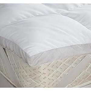 surmatelas 2 personnes ambassador en microfibre 135 x. Black Bedroom Furniture Sets. Home Design Ideas