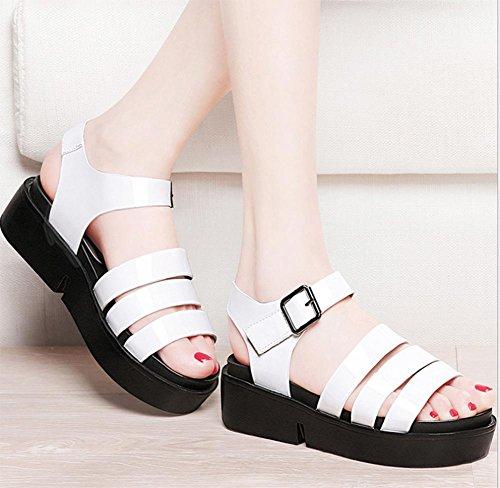 Wohnung mit flachen Sandalen Frauen Sandalen Fräulein Xia Ji Wort Schnalle Schuhe Sandalen weiblichen Studenten White