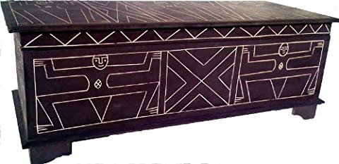 LARGE HAND CARVED WOODEN CHEST /OTTOMAN / COFFEE TABLE/STORAGE.FAIRTRADE