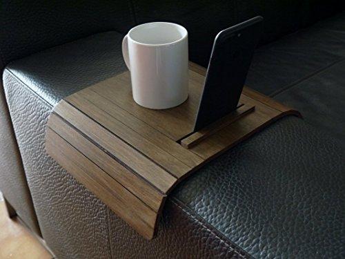 Laser geschnittene Holz Couch Armlehnen Tisch mit Smartphone und Tablet-Ständer - Sofa Armlehnen Tisch mit Telefon- und Tablet-Ständer - viele Farben erhältlich