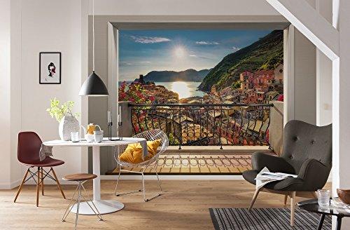 Komar - Fototapete VERNAZZA -368 x 254 cm - Tapete, Wand Dekoration, Italien, Terasse, 3D, Meer, Berge, Urlaub - 8-988 -