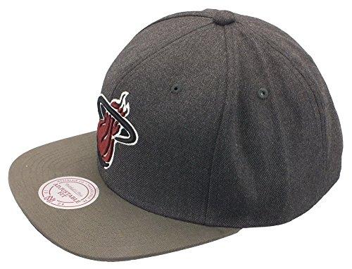 Miami Heat NBA Gris Charcoal Olive Mitchell & Ness Cap Snapback Casquette de baseball Taille Casquette Ajustée