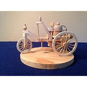 Benz Patent-Motorwagen No.1 (1886) aus Holz