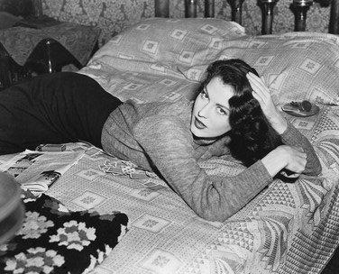 AVA GARDNER #50 - Photo cinématographique en noir et blanc- STANDARD - 25x20cm
