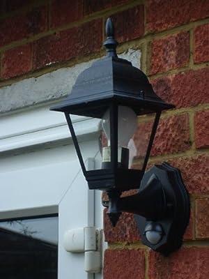 Byron Elro ES94 Wandlaterne für den Außenbereich, 4-seitig verglast, mit Bewegungssensor, max. 100W/Energiesparlampe 23W, schwarz von Toolbank bei Lampenhans.de