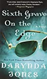 Sixth Grave on the Edge  by Darynda Jones par Jones