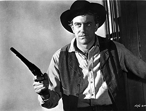 The Poster Corp Film still of James Arness Wearing a Cowboy Outfit and Carrying a Gun Photo Print (76,20 x 60,96 ()