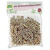 Lena 32005 - Bastelset Buchstabenwürfel aus Holz, Set mit 300 Fädelperlen in Würfel Form und mit Buchstaben, Holzperlen Set für Kinder ab 3 Jahre, Perlen Set zum selber gestalten von Schmuckketten