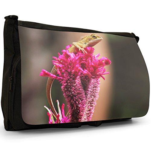 Lucertole Del Mondo–Borsa Tracolla Tela Nera Grande Scuola/Borsa Per Laptop Lizard Sat On Pink Flower