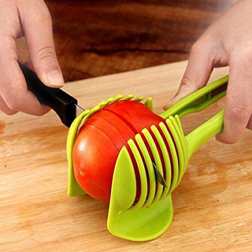 Tipo: AffettatriceMateriale: ABSColore: verdeCaratteristiche: frutta verdura insalata aiutante, attrezzo della cucina, utile, conveninetDimensioni: 18.5cm x 8cm/x pollici (circa)Il pacchetto include: 1x affettatriceTomato slicer multiuso limone ta...