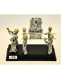 Arca de la Alianza en plata y chapado en oro con 6sacerdotes...