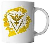 vanVerden Tasse Pokemon Team Gelb Intuition Zapdos Trainer Fan inkl. Geschenkkarte, Farbe:Weiß/Bunt
