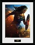 GB Eye LTD, Wonder Woman, Corriendo, Print Enmarcado 40 x 30 cm