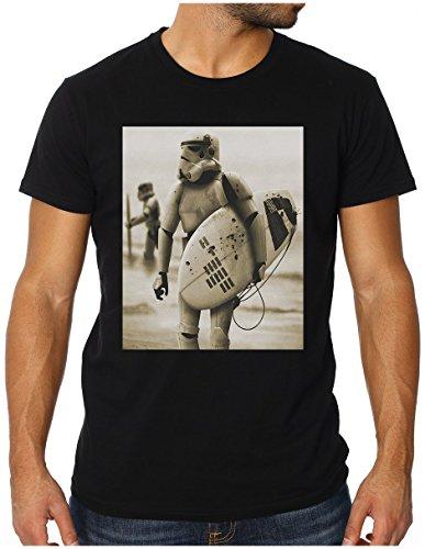 OM3 - STORMTROOPER SURFING - Slim Fit Herren T-Shirt (TAILLIERT!!!), XL, schwarz