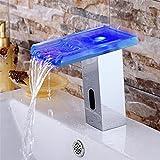 ETERNAL QUALITY Badezimmer Waschbecken Wasserhahn Messing Hahn Waschraum Mischer Mischbatterie Die LED-Sensor Wasserhahn dreifarbige Temperaturregelung mit Licht Wasserfa