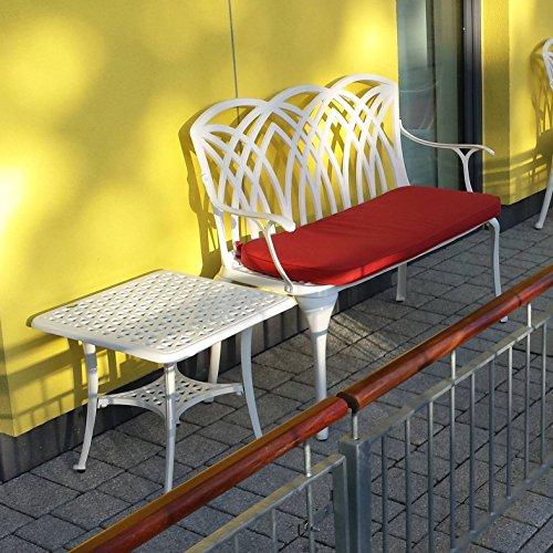 Lazy Susan – SANDRA Quadratischer Kaffeetisch mit 1 APRIL Gartenbank und 2 APRIL Stühlen – Gartenmöbel Set aus Metall, Weiß - 5