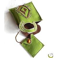 Bolsa de fieltro con bolsita extraíble cosida y bordada a mano.