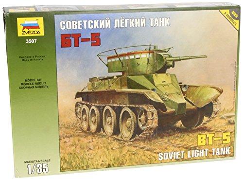 Zvezda 500783507 - 1:35 WWII Soviet Light Tank BT-5