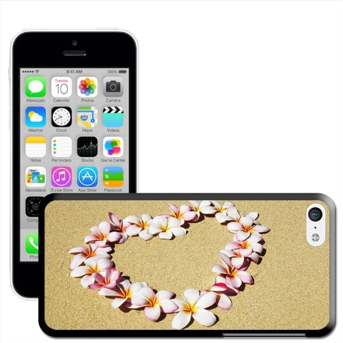 Fancy A Snuggle 'Herr und Frau ROT HERZ IN LIEBE UND Dancing' Hard Case Clip On Back Cover für Apple iPhone 5 C Heart Of Flowers On A Beach
