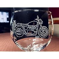 Copa de Gin Tonic con moto, grabada a mano. ¡EXITO TOTAL¡.Es un buen regalo para los amantes de las motos y el GinTonic. También grabamos otros modelos de motos
