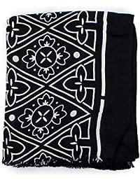 Amazon.it  Calvin Klein - Sciarpe e stole   Accessori  Abbigliamento 28e0561083c