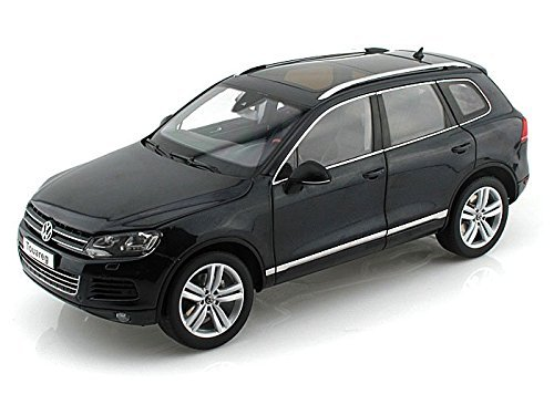 2010-volkswagen-touareg-tsi-1-18-deep-black-pearl-effect-by-collectable-diecast