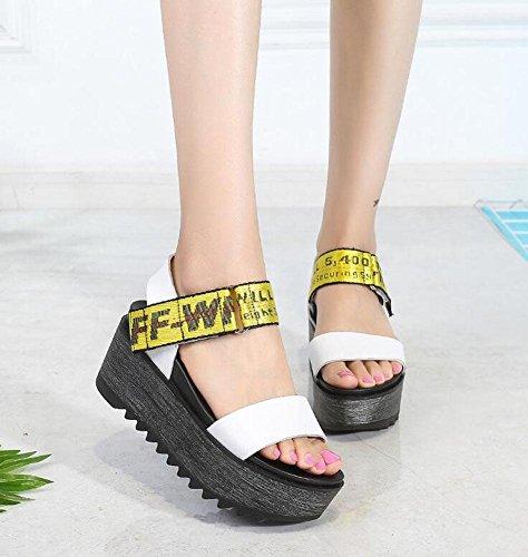 Frauen Peep Toe Knöchelriemen Plattform Keil 2017 Sommer neue Leder dicke Sandalen weiblichen Klettverschluss High Heel Schuhe White