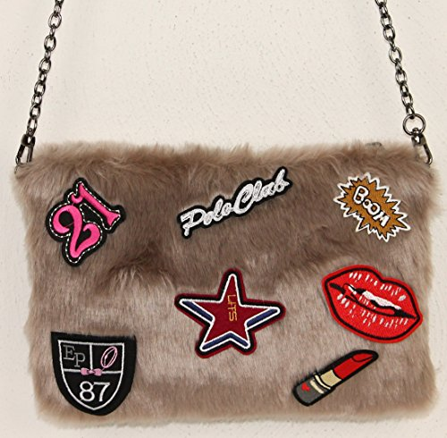 Limited Colors Damen Clutch Tasche BOOM Fell Imitat Plüsch Sticker Patches Kette Schultertasche Hellbraun