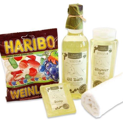 handverpacktes-geschenk-weinprobe-mit-duschgel-sowie-pflegebad-und-seife-plus-haribo-weinland-weingu