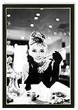 Bild Poster Kunstdruck Audrey Hepburn Breakfast at Tiffany's mit Rahmen 99x68 cm