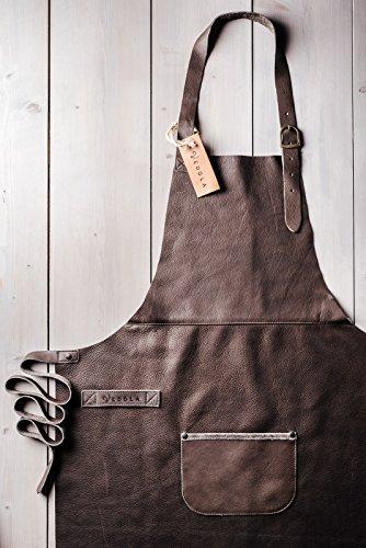 VEDGLA Lederschürze – Grillschürze – Kochschürze – Kellnerschürze – Schürze aus hochwertigem Rindsleder mit verstellbaren Riemen und optimaler Passform, 84 cm x 70 cm, in Farbe Braun