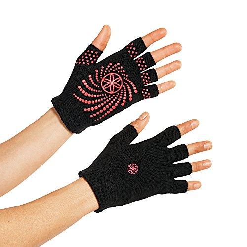 gaiam-guanti-yoga-modello-grippy-nero-black-pink