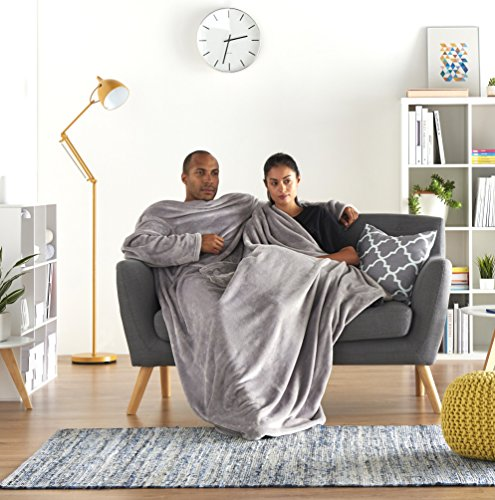 AmazonBasics - Fleecedecke mit Ärmeln & Fußbeutel, 170x200cm, Grau