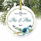 Shabby Chic MR & MRS Our First Christmas Ehepaar Hochzeit Geschenk Boho Geschenk Country Dekorationen Rund Weihnachten Ornament Andenken Xmas Tree Dekoration Hochzeit Jahrestag Geschenkidee