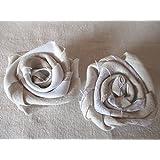 2 Shabby-Chic Rosen, Stoffrosen, beige und weiß, Landhaus