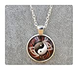 Jewelry Vintage Chinese Long Chain Yin Yang Necklace Tai Chi Martial Glass Art Pendant Jewelry Gift Pendant Necklace