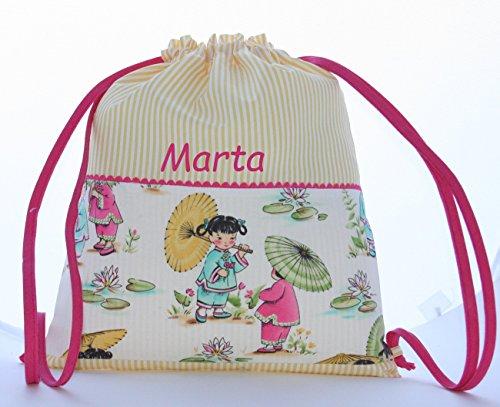 Foto de Bolsa mochila niñas japonesas, en tela vichy rayas amarillas, personalizada con nombre. /30x35 cm./