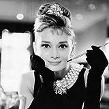 Pyramid International WDC95141 Audrey Hepburn Breakfast at Tiffany's black und white  Leinwanddruck auf MDF-Keilrahmen