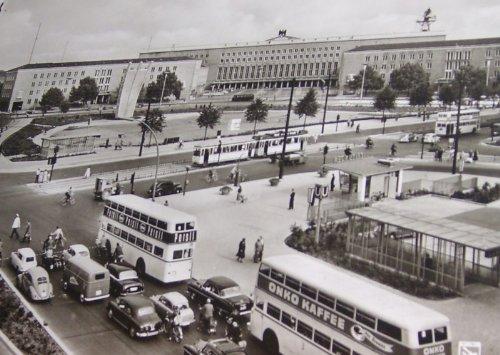 Alte Postkarte - Berlin Platz der Luftbrücke