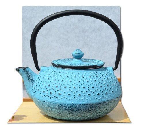 Théière en fonte Bleu clair/motif fleurs 0,6 l